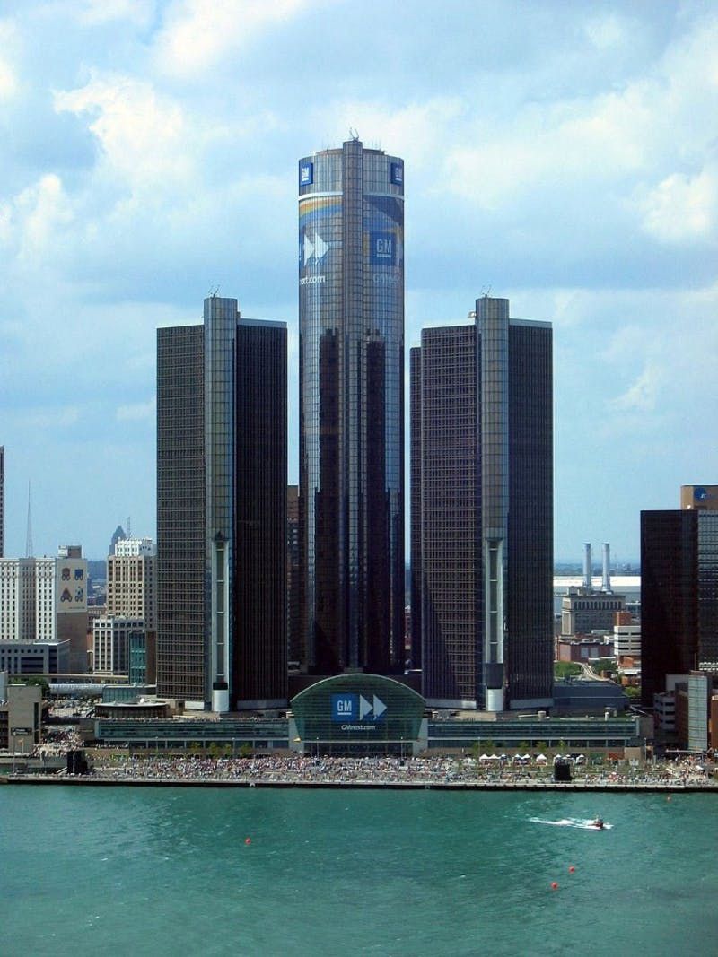 The GM Renaissance Center in Detroit, MI. Credit: Yavno at en.wikipedia