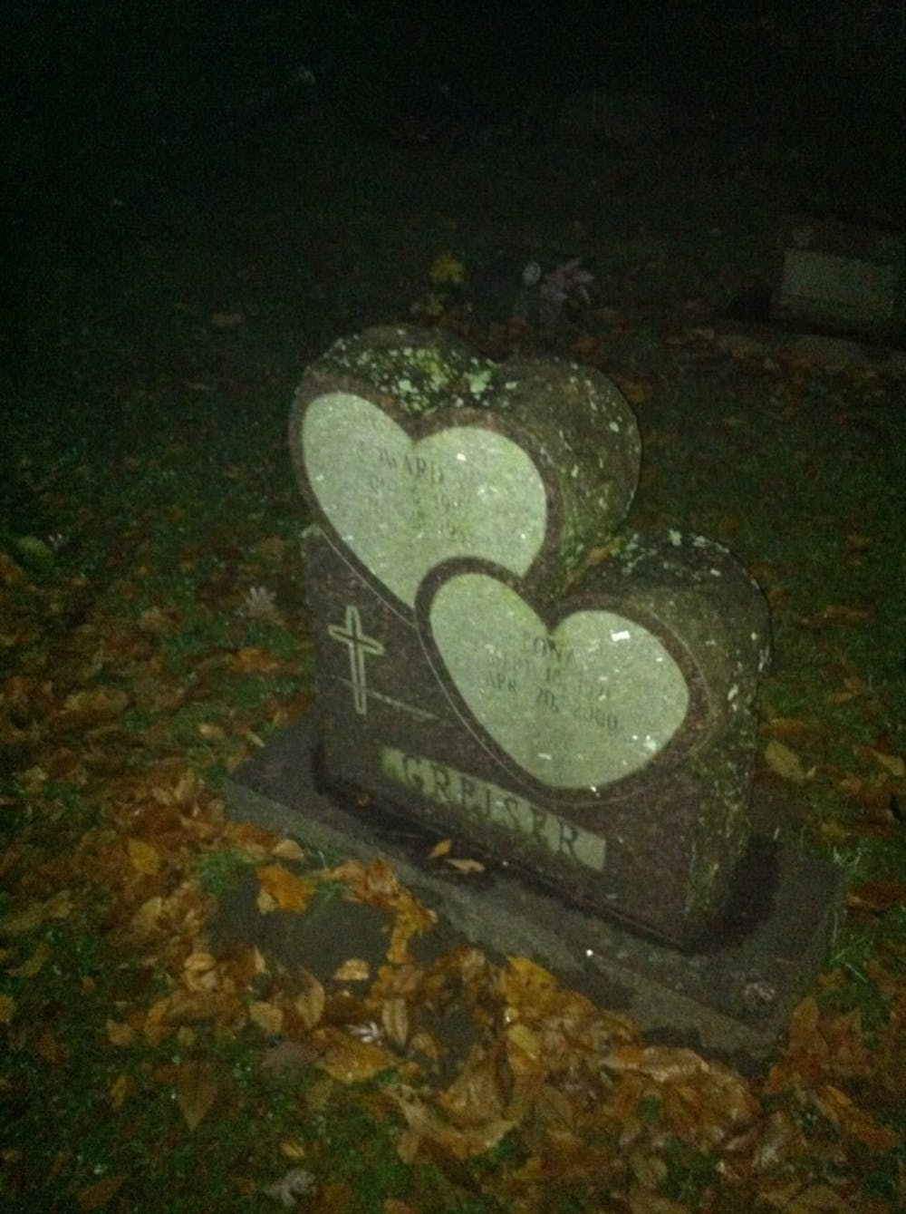 Highland Cemetery offers lantern-lit tours in honor of Halloween