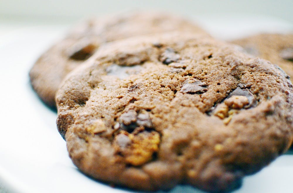 Kitchen 101: Peanut Butter Cup Cookies