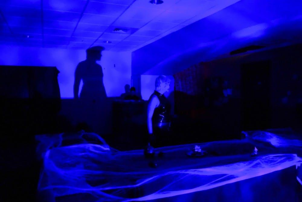 grant-clare-hauntedhouse-5