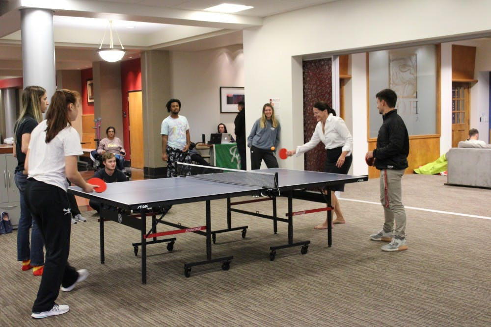 Enjoyable Ping Pong With President Book Elon News Network Home Remodeling Inspirations Genioncuboardxyz