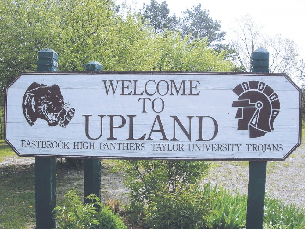 Upland builds two new welcome signs