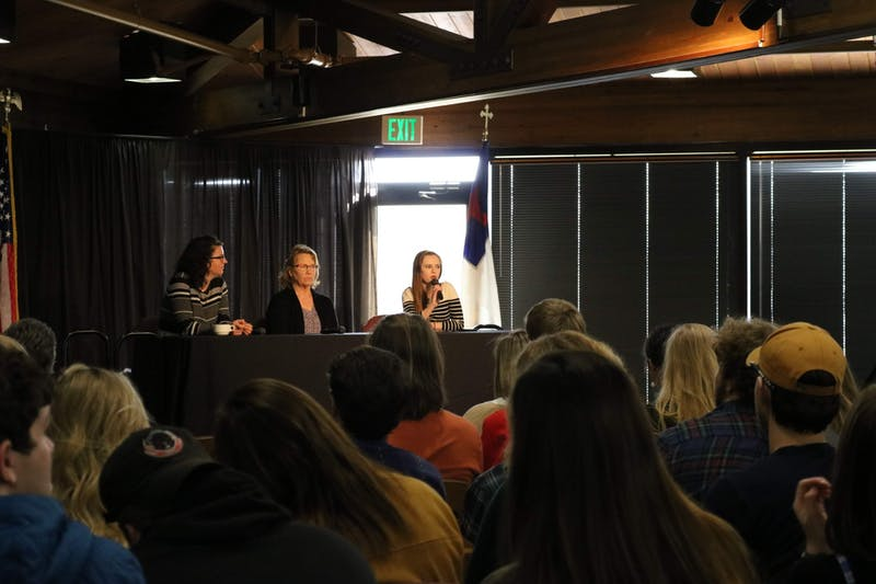 Liz Wilson ('16), Sharon Vargo and Jessica Baide ('16) talk to students about using art for their careers.