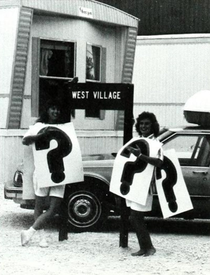 Upperclassmen help new students move into the 'mods' in West Village in Fall 1989. Picture provided by Ilium Archives.