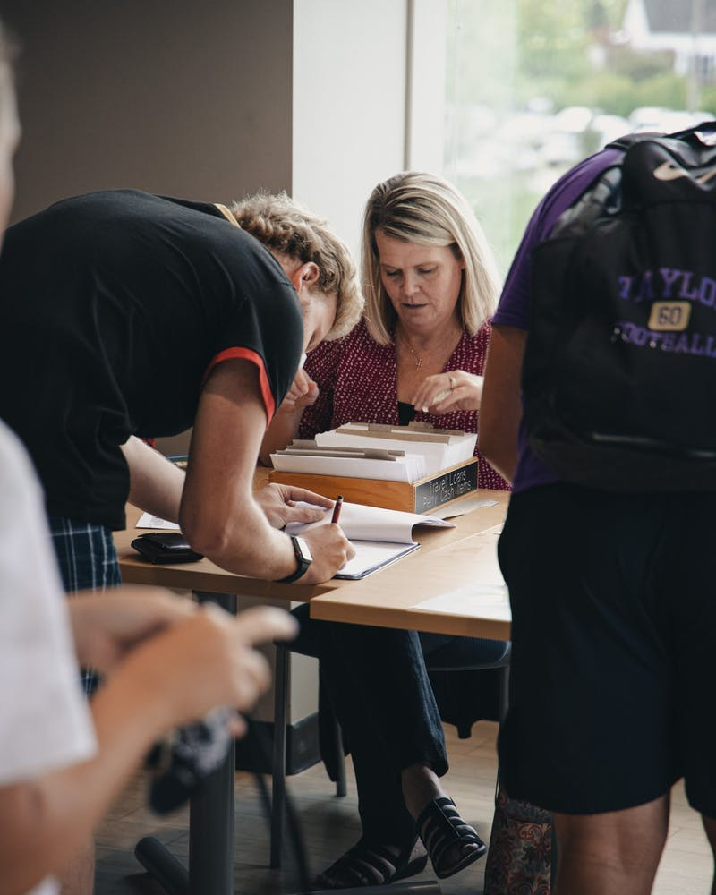 Students pick up their COVID-19 relief checks.(Photo provided by Jude Tepper)