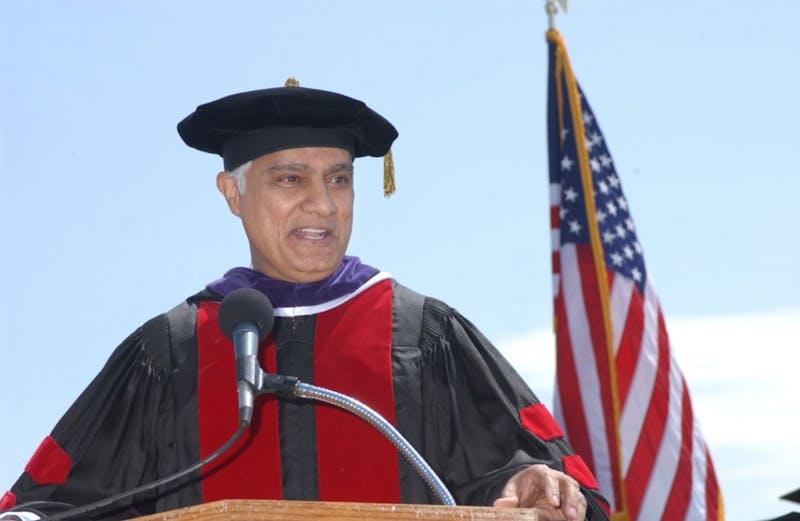 Ravi Zacharias speaks to 2003 Taylor graduates.
