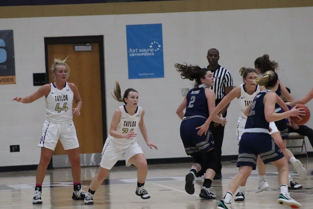 Women's basketball makes tournament final