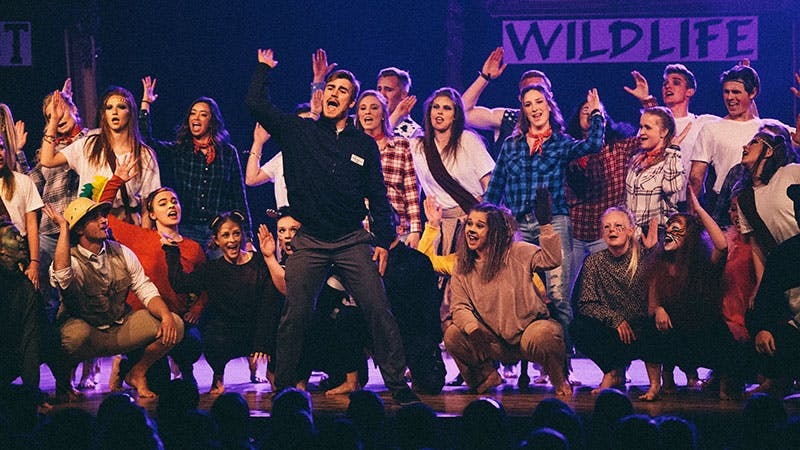 Students from Third Center Olson and Third East Wengatz perform in their 2019 Airband