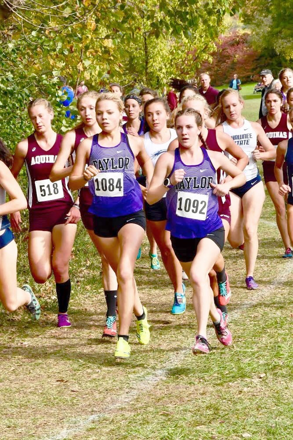Women's cross country claims Great Lakes Invite title