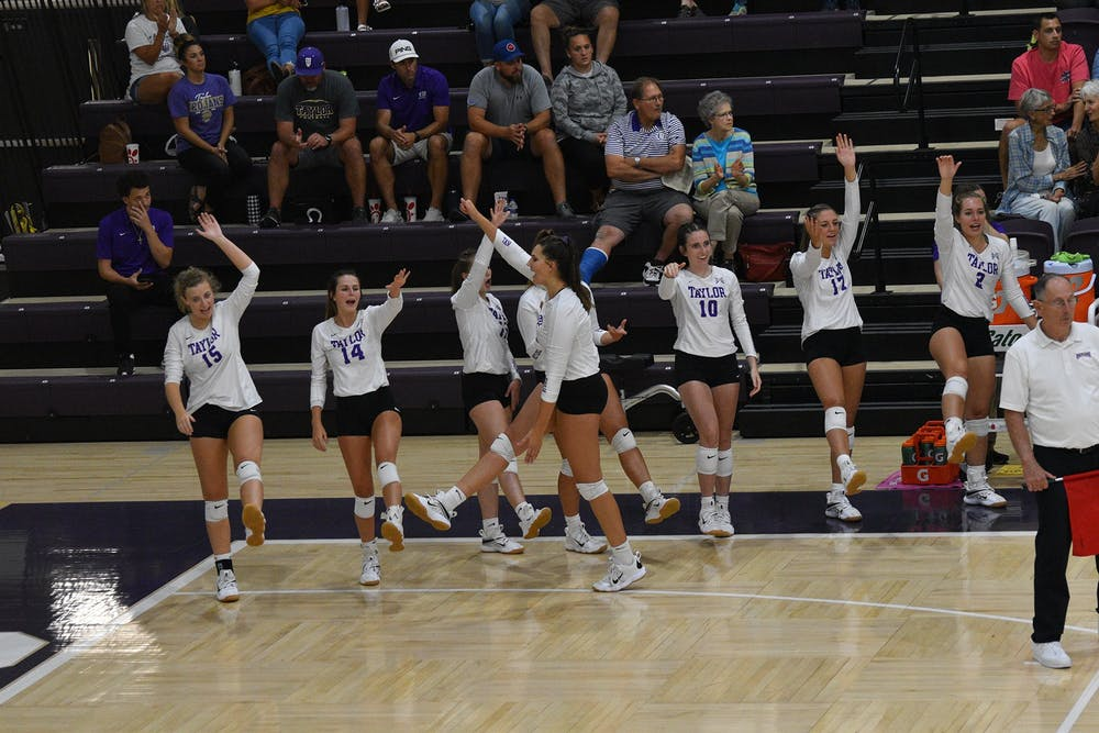 Volleyball wins 5-set thriller in Odle