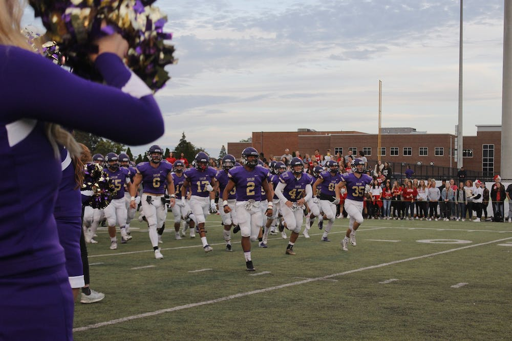 Fall sports teams showing promise