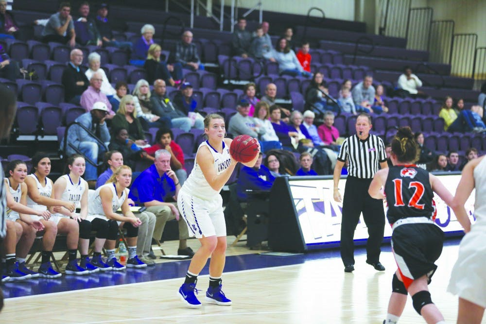 Women's basketball lose two tight games