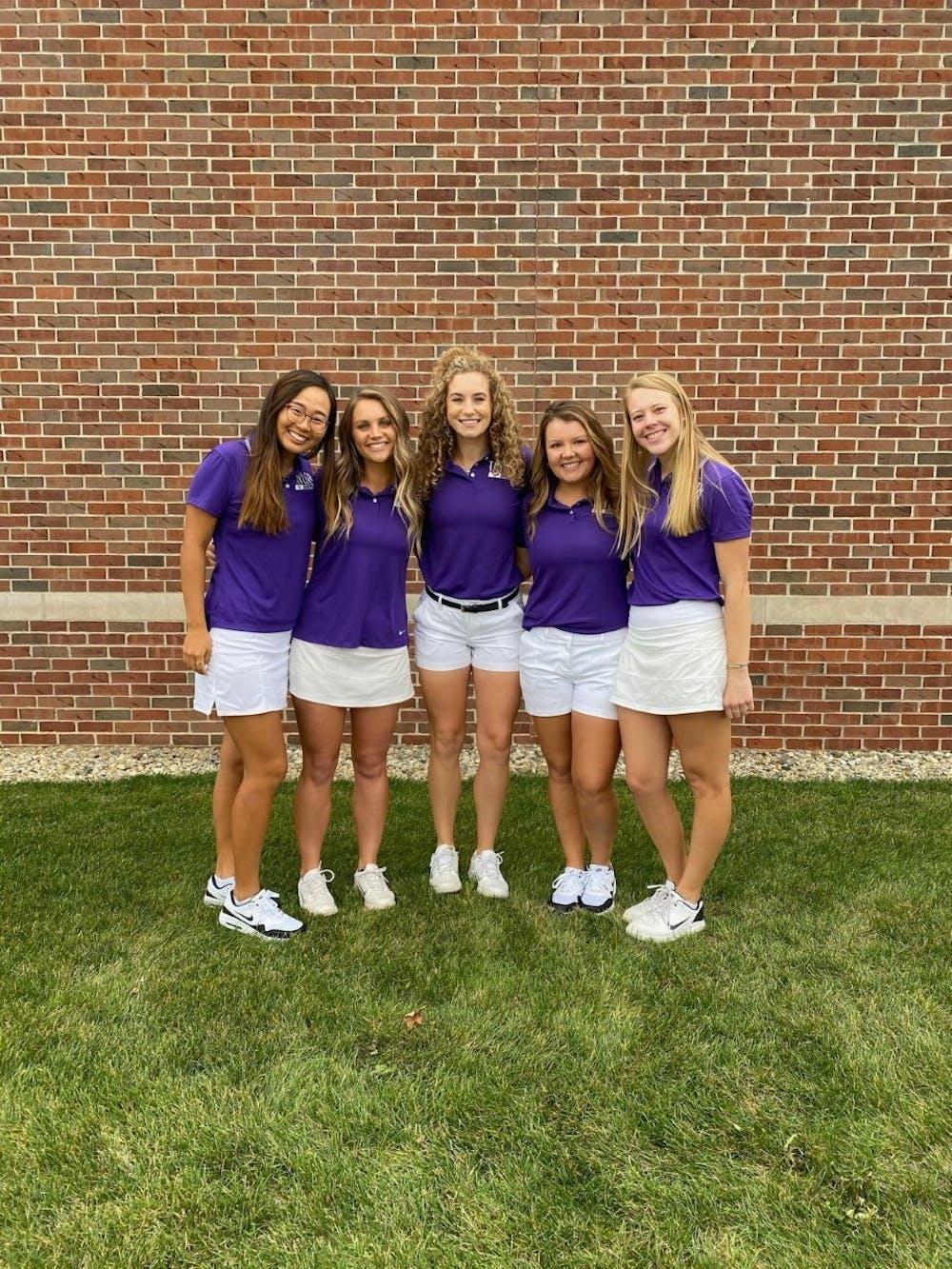 Women's golf seniors shine