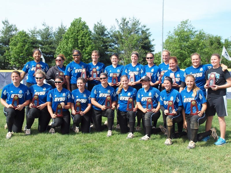 GVSU softball with their national team trophies