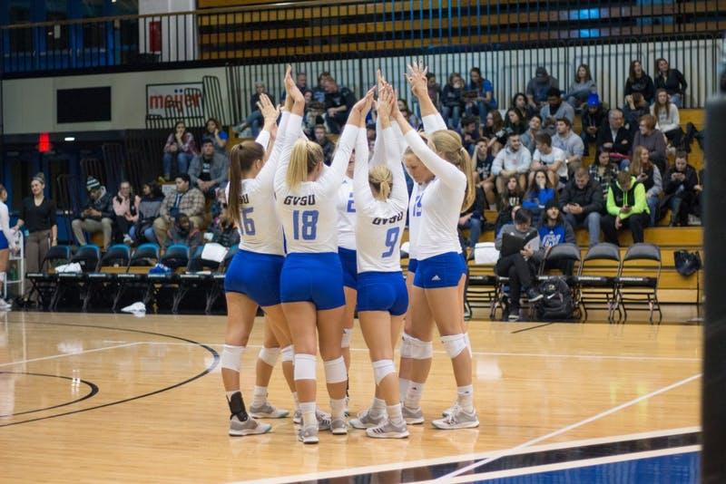 Grand Valley Volleyball preparing for set number 2 against Purdue Northwest on Friday, Nov. 10, 2017.  GVL / Dylan McIntyre