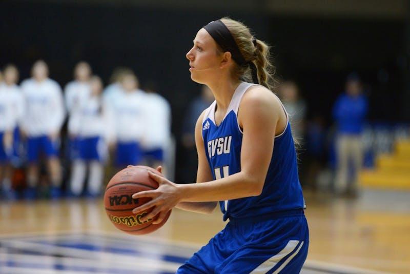 GVL / Luke Holmes - Jenn DeBoer (4) posts up to shoot. GVSU Women's Basketball lost to Truman State 69-74 on Sunday, Nov. 13, 2016.