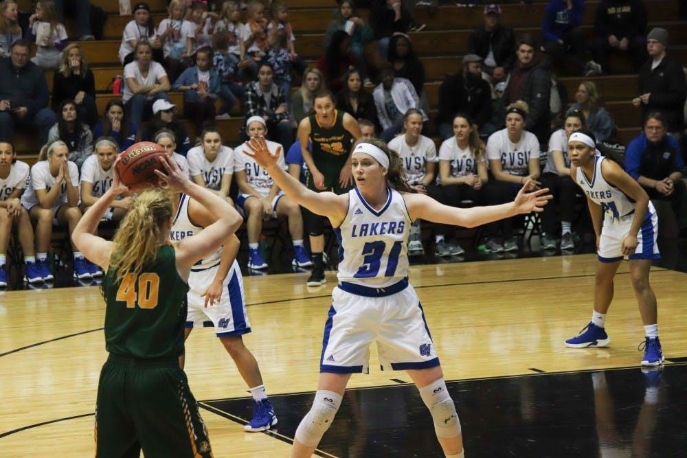 women-s-basketball-gvsu-vs-northern-michigan-2019-rgb-1-of-1-10