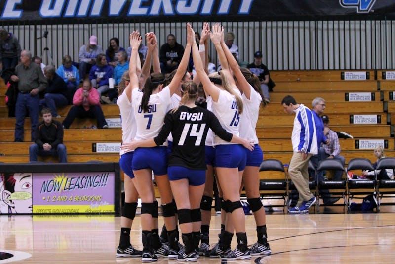 GVL / Emily FryeGVSU Volleyball squad