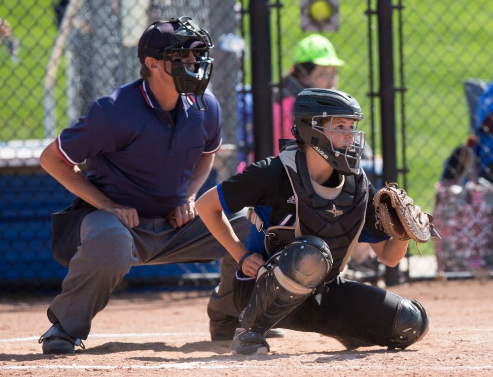 27371_softballvswalsh_rgb_22o