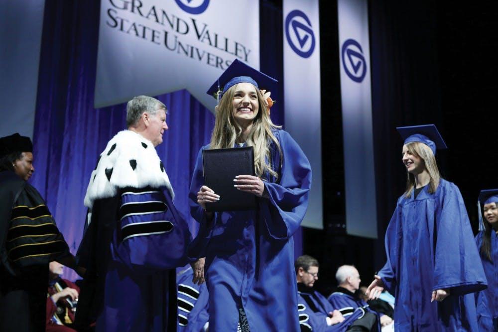 graduation-rgb19