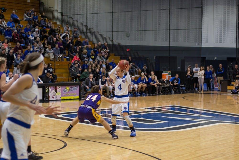 W. Basketball (7 of 34)