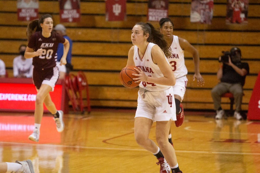 <p>Sophomore Mackenzie Holmes passes the ball Nov. 25 in the game against Eastern Kentucky in Simon Skjodt Assembly Hall. Holmes didn&#x27;t miss a shot and scored 26 points for the No. 16 Hoosiers in the 100-51 victory Wednesday.</p>