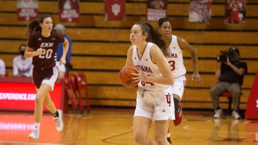 Sophomore Mackenzie Holmes passes the ball Nov. 25 in the game against Eastern Kentucky in Simon Skjodt Assembly Hall. Holmes didn't miss a shot and scored 26 points for the No. 16 Hoosiers in the 100-51 victory Wednesday.