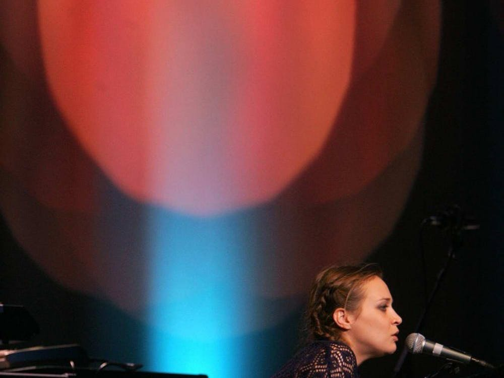 """Fiona Apple, shown in performance in 2005 in Los Angeles, California, has a new release titled """"The Idler Wheel."""" (Genaro Molina/Los Angeles Times/MCT)"""