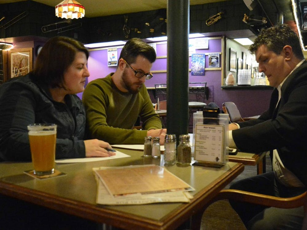 Mid by Midwest Productions Company holds a trivia night at Player's Pub, Jan 30. The first prize will award $40 and free sweet cakes.