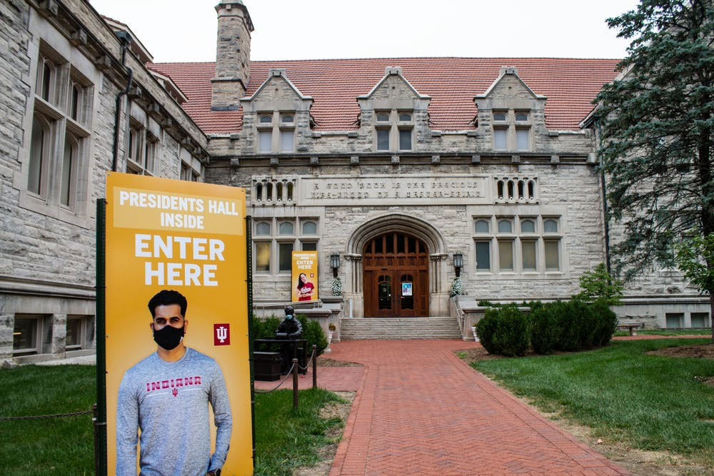 <p>Signs direct students where to go for mitigation testing Aug. 27 outside of Franklin Hall. Faculty were not required to get a COVID-19 test upon the start of the school year but will be included in mitigation testing. </p>