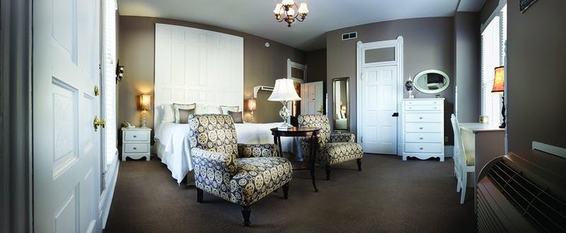 Each room at Grant Street Inn offers unique and elegant furnishings.