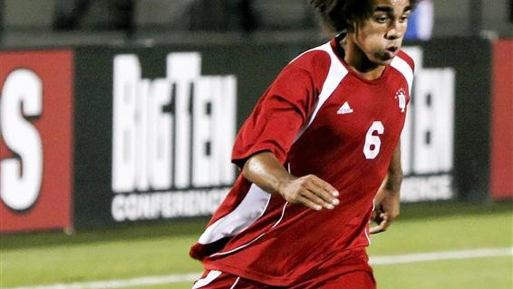 Junior back/midfielder Kevin Alston dribbles the ball during the Hoosiers 3-1 win over No. 9 Notre Dame Thursday October 16, 2008 at Bill Armstrong Stadium.