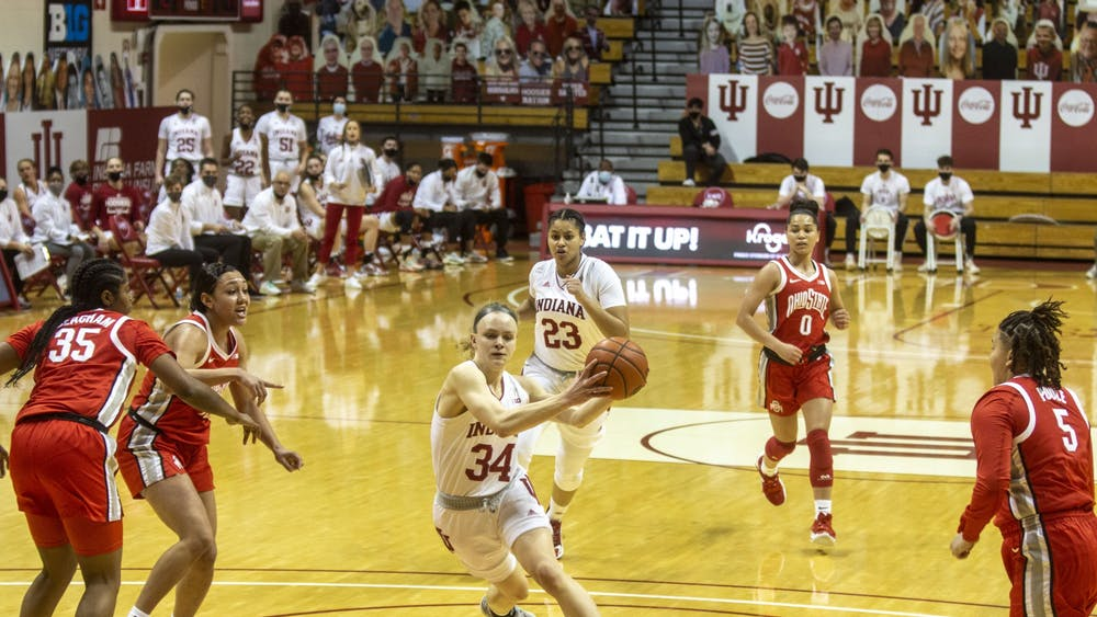 Junior guard Grace Berger drives to the basket Jan. 28 in Simon Skjodt Assembly Hall. No. 11 IU will play No. 15 Ohio State at 3 p.m. Saturday.
