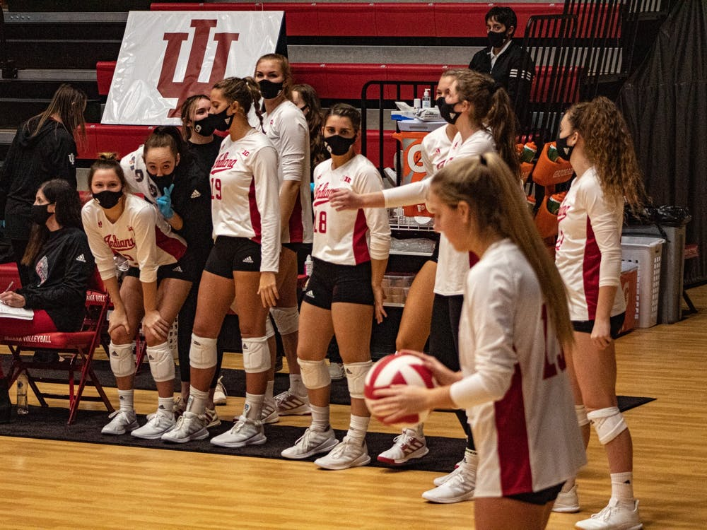Sophomore defensive specialist Sophie Oliphant prepares to serve Jan. 22 at Wilkinson Hall. IU will play No. 1 Wisconsin in a double header Friday and Saturday at Wilkinson Hall.