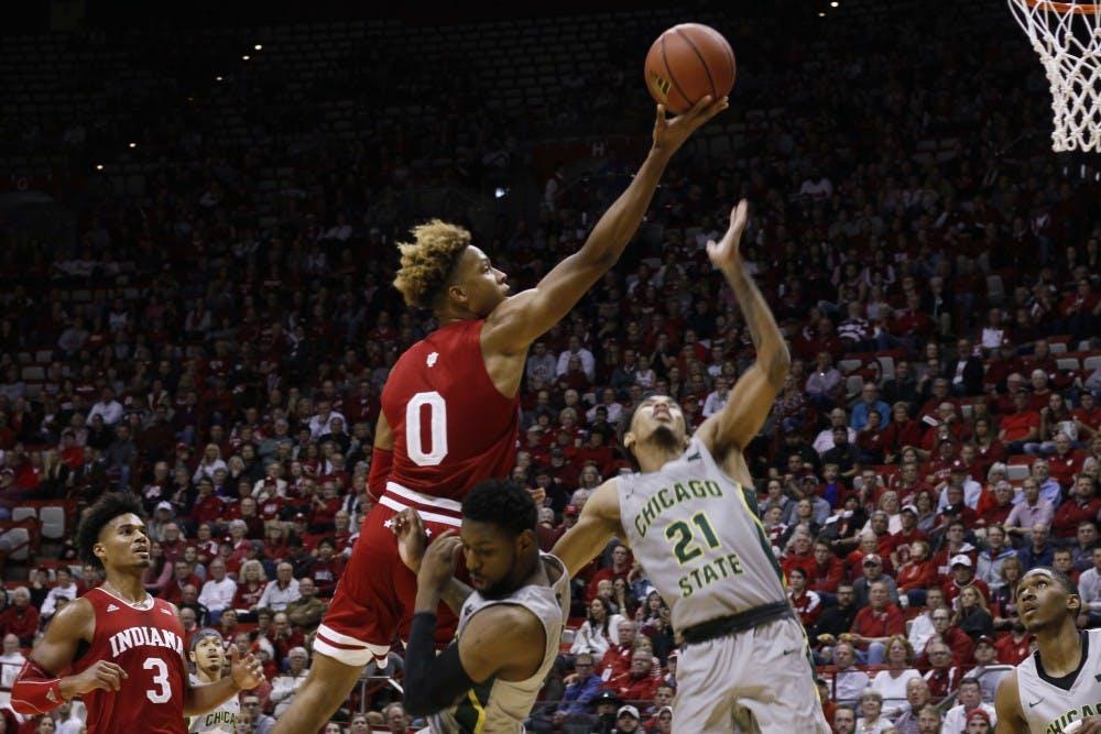 basketball-chicagostate-langford-tiplick