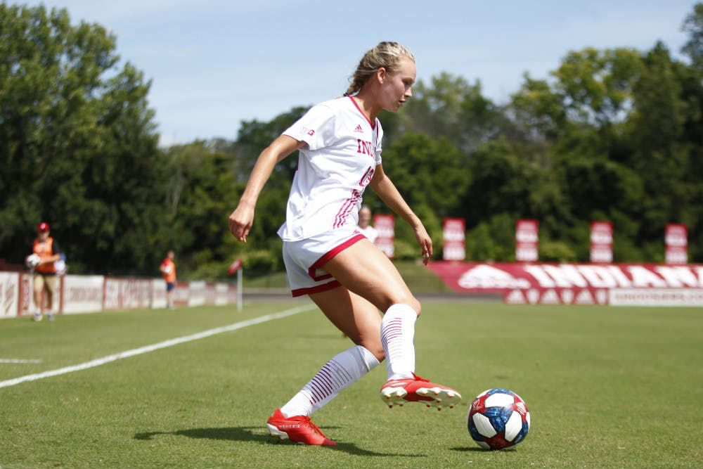 <p>Freshman Jaimie Tottleben passes the ball in an attempt to score a goal Aug. 25 at Bill Armstrong Stadium. IU will play Illinois on Thursday.</p>