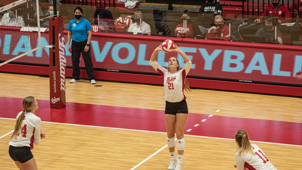 Sophomore setter Emily Fitzner sets the ball for a hitter Jan. 23. in Wilkinson Hall. The Hoosiers will take on Rutgers on Friday and Saturday in Piscataway, New Jersey.