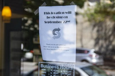 A sign taped to a door informs customers Sept. 22 of the North Walnut Street Subway's impending closure. The next closest Subway to the now-closed location is at 401 N. Woodlawn Ave.