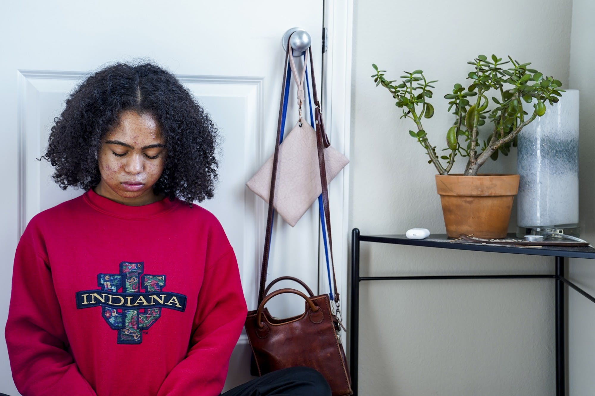Aluko does her morning meditation Nov. 6 at her apartment. She perfers to mediate in the morning to get a good start to her day and to do it while there are fewer distractions.
