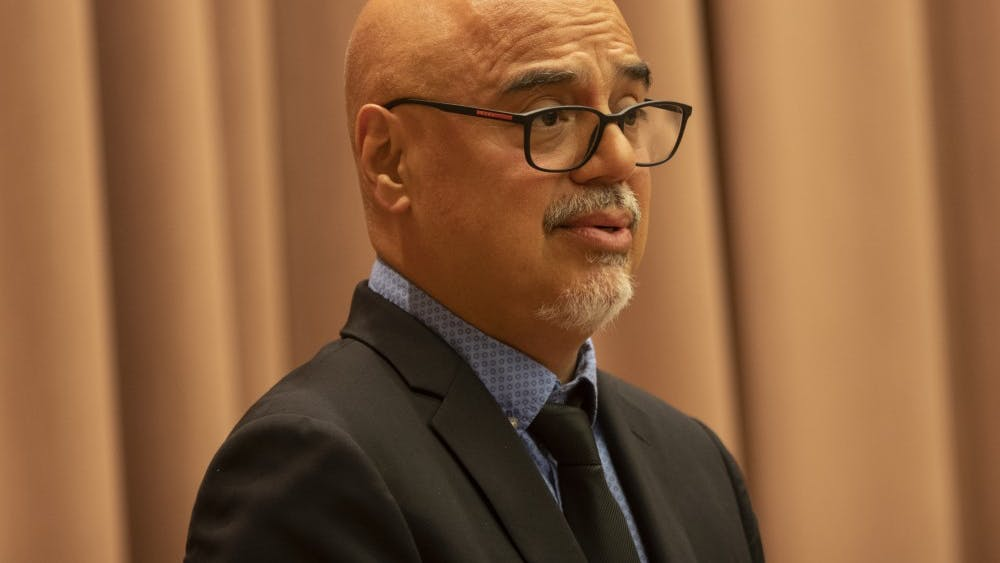 Pulitzer Prize-winning journalist Héctor Tobar speaks Sept. 16 in the Neal-Marshall Black Culture Center. Tobar won the Pulitzer Prize in 1992 for his coverage of the Los Angeles Riots.
