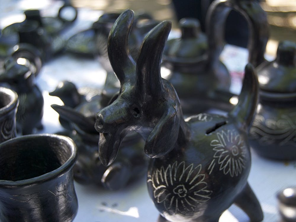 Black pottery, a craftsmanship and design known all over the world and credited specifically to Quinchamali, a small town outside of Chillán, requires special skill and know-how in order to make both the small and large pieces of pottery.