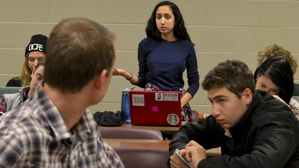 IUSA President Sara Zaheer argues about budget for IUSA executives Nov. 10, 2015, in Hodge Hall. The organization plans to release an off-campus housing survey to a portion ofthe student population within a few weeks.