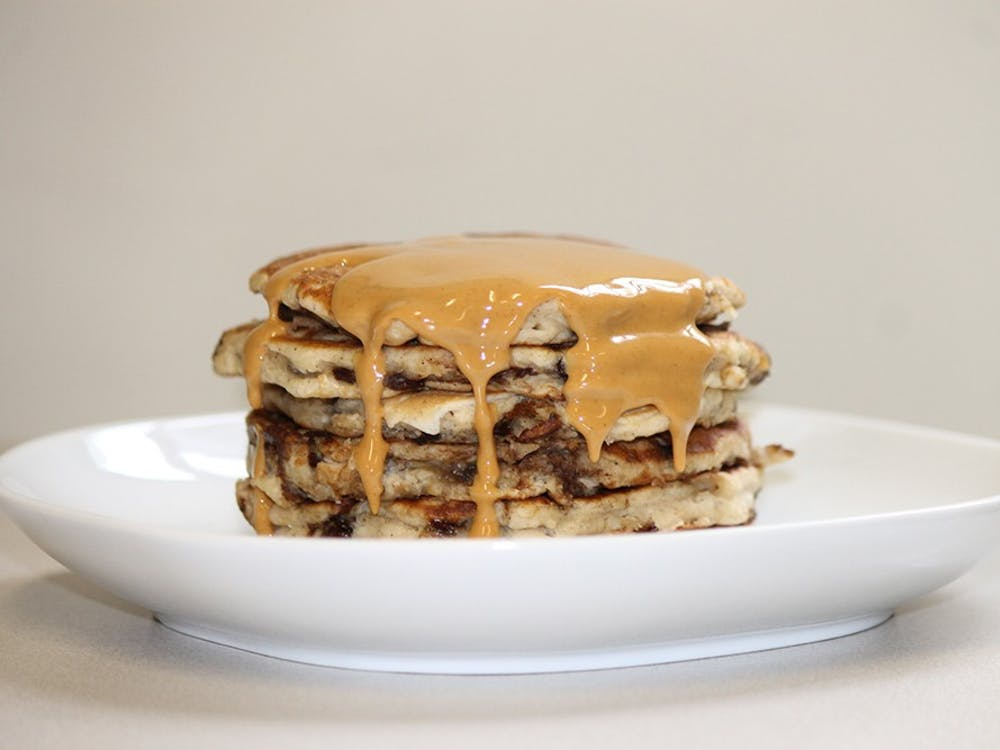 Instead of maple syrup, this recipe can use melted peanut butter as a topping.