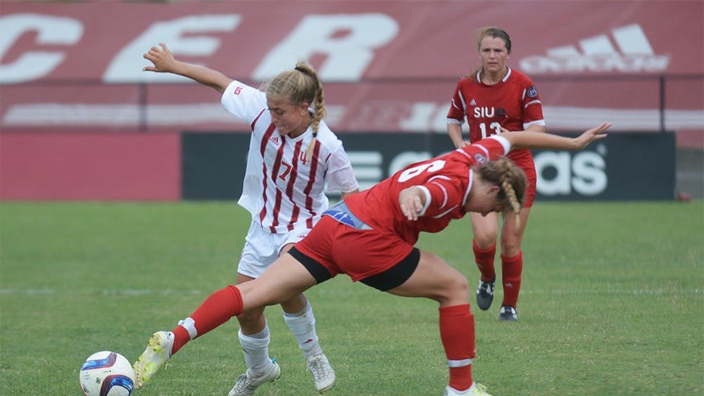 Sophomore forward Kayla Smith plays against SIUE Cougars at Bill Armstrong stadium on Sunday. IU tied the game 0-0.