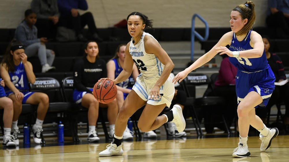 Diarra Oden finished with 19 points in Hopkins loss to Muhlenberg.