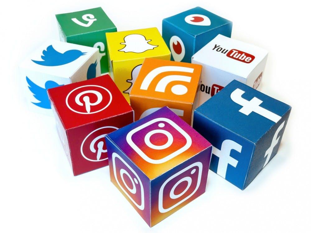 8_social-media