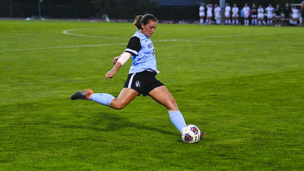 HOPKINSSPORTS.COM Coulson scored the only goal of the match, the 16th goal of her career.