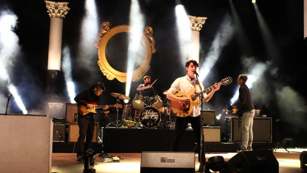Julio Enriquez/CC BY-SA 2.0 Vampire Weekend announced an upcoming album through the release of three double singles