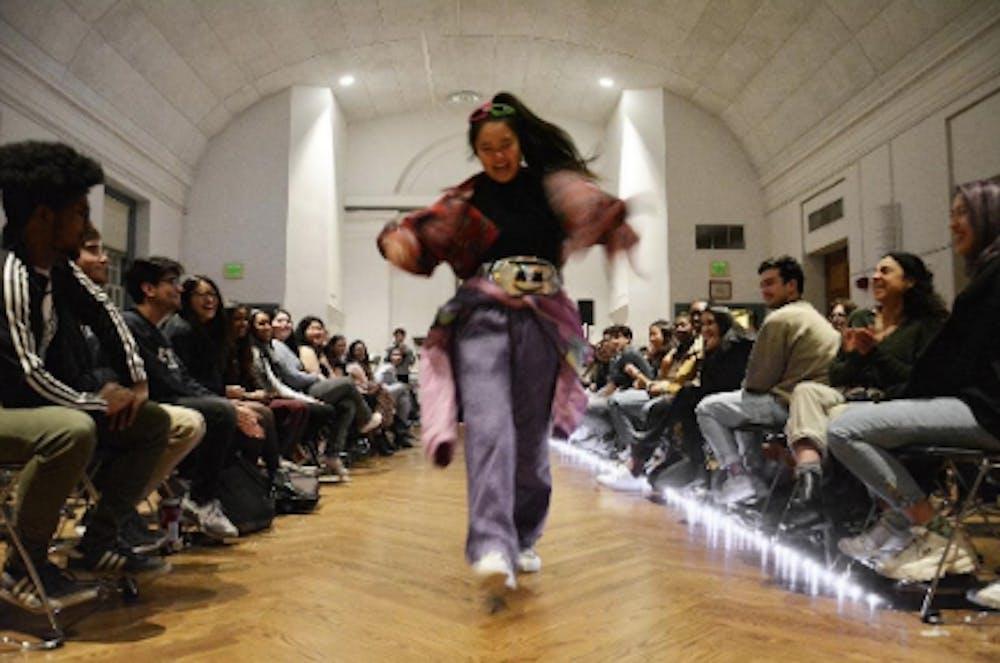 b3-fashion-show