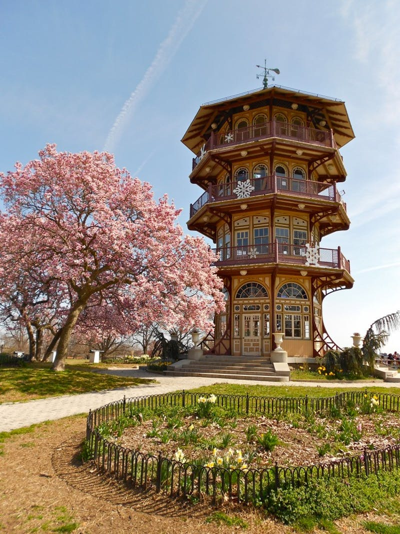 smallbones/Public Domain Patterson Park is a wallet-friendly, beautiful Baltimore spot to visit.
